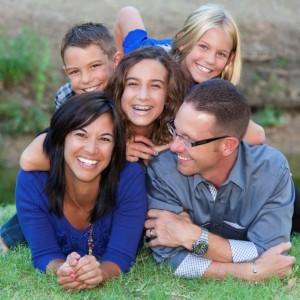 iStock_happy family kl